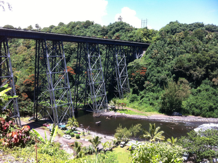 Hakalau_bridge
