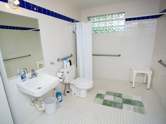 3BR Suite Bathroom